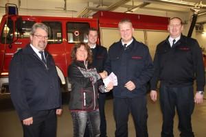 USD spendet dem Förderverein der Freiwilligen Feuerwehr 2000€